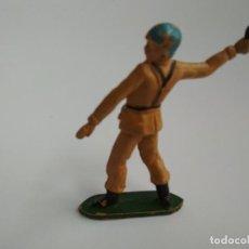 Figuras de Goma y PVC: FIGURA SOLDADO MARRÓN TEIXIDO GOMA. Lote 154289818