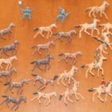 Figuras de Goma y PVC: LOTE MINICOMANSI 70 FIGURAS PLÁSTICO AÑOS 70, UNOS 3 CM; 7º CABALLERIA,OESTE AMERICANO, INDIOS, ETC. Lote 154487366