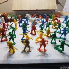 Figuras de Goma y PVC: LOTE MÁS DE 570 FIGURAS PVC MONOCOLOR AÑOS 70. Lote 154495989