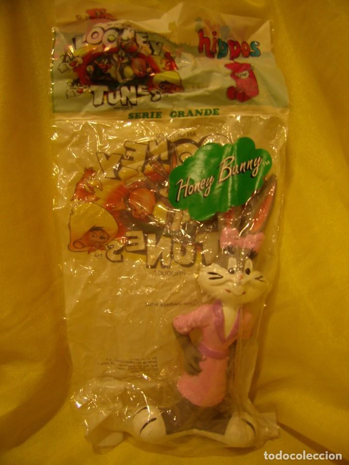 Figuras de Goma y PVC: Looney Tunes Honey Bunny, látex con pito de Hippos serie grande,19 cm,,año 1993, Nuevo sin abrir. - Foto 2 - 155335438