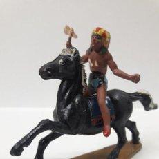 Figuras de Goma y PVC: GUERRERO INDIO A CABALLO . REALIZADO POR GAMA . AÑOS 50. Lote 155400774