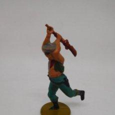 Figuras de Goma y PVC: FIGURA VAQUERO CON ESCOPETA. GOMA. AÑOS 50. FABRICADO POR GAMA. REF 18.. Lote 155533662