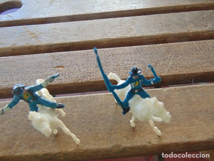 Figuras de Goma y PVC: LOTE DE 13 SOLDADOS A CABALLO DEL MINI OESTE DE COMANSI - Foto 3 - 155660238