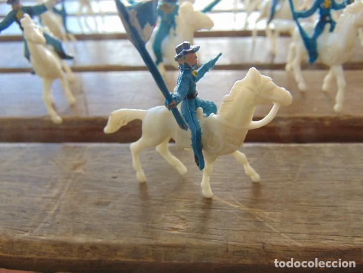 Figuras de Goma y PVC: LOTE DE 13 SOLDADOS A CABALLO DEL MINI OESTE DE COMANSI - Foto 8 - 155660238