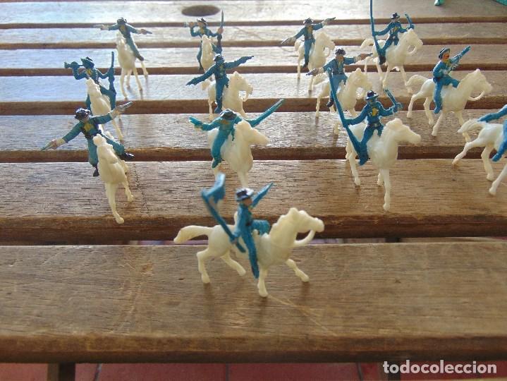 Figuras de Goma y PVC: LOTE DE 13 SOLDADOS A CABALLO DEL MINI OESTE DE COMANSI - Foto 9 - 155660238