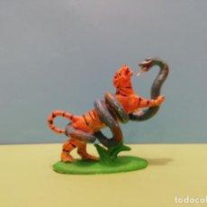 Figuras de Goma y PVC: LUCHAS DE ANIMALES, PECH. TIGRE CONTRA SERPIENTE. Lote 155703410