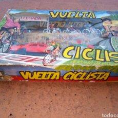 Figuras de Goma y PVC: CAJA VUELTA CICLISTA A ESPAÑA. SOTORRES. AÑOS 60. Lote 156361181
