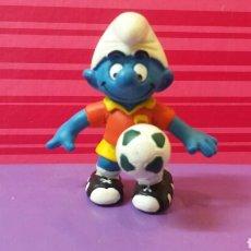 Figuras de Goma y PVC: FIGURA PVC PITUFO JUGADOR FUTBOL PELOTA SCHLEICH GERMANY 03 PEYO. Lote 156547693