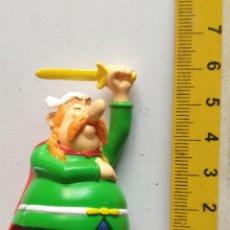 Figuras de Goma y PVC: JUGUETE - FIGURA MUÑECO - HAGA OFERTAS POR LOTES - ASTERIX OBELIX. Lote 156716750