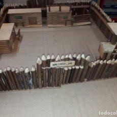 Figuras de Goma y PVC: ANTIGUO FUERTE RIN FORT TIN AÑOS 50-60 MADERA. Lote 157836750