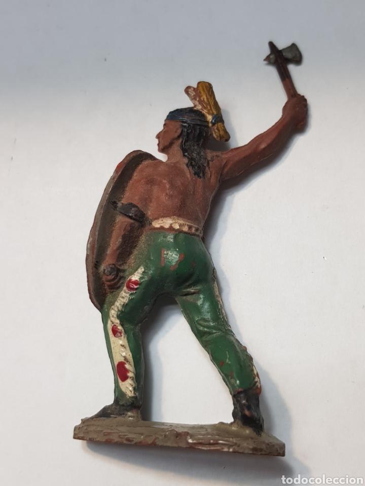 Figuras de Goma y PVC: Figura Indio con Escudo de goma Lafredo escasa - Foto 2 - 157843621