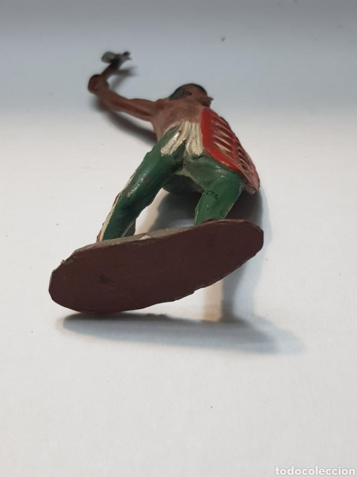 Figuras de Goma y PVC: Figura Indio con Escudo de goma Lafredo escasa - Foto 4 - 157843621