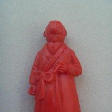 Figuras de Goma y PVC: FIGURA DE DUNKIN PREMIUM DE TINTIN : RASTAPOPOULUS .. DETRAS PONE ESSO.. Lote 159069842