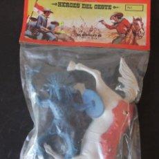 Figuras de Goma y PVC: HEROES DEL OESTE REIGON FIGURAS DE GRAN TAMAÑO AÑOS 80. Lote 159358090