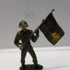 Figuras de Goma y PVC: FIGURA COMANSI SOLDADO ESPAÑOL CON BANDERA. Lote 159665833
