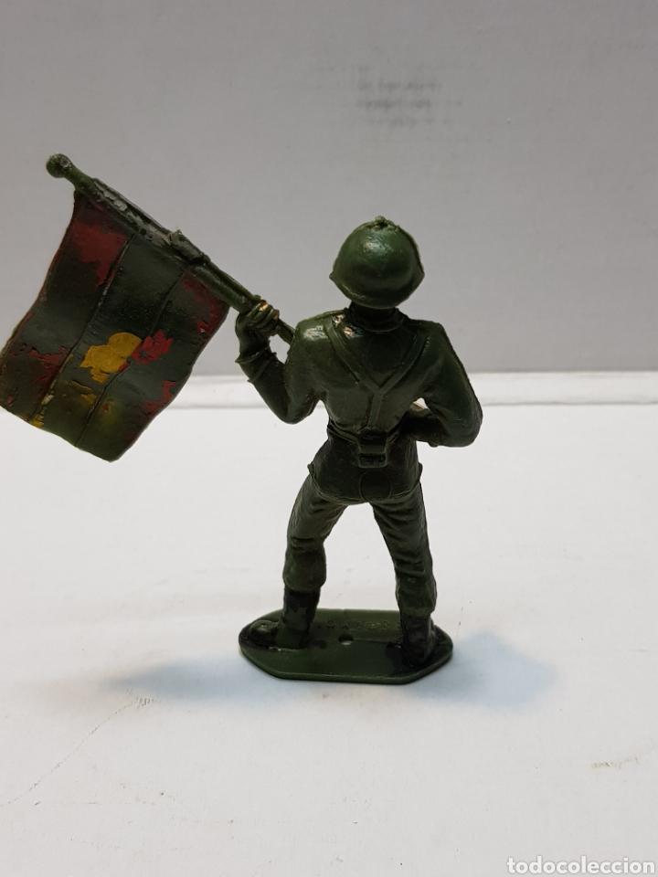 Figuras de Goma y PVC: Figura Comansi Soldado Español con Bandera - Foto 2 - 159665833