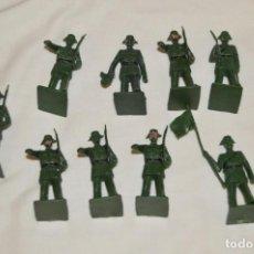 Figuras de Goma y PVC: ANTIGUO - VINTAGE - LOTE DE 9 FIGURAS DE GUARDIAS CIVILES DESFILANDO - REAMSA GOMARSA - ¡MIRA!. Lote 160178166