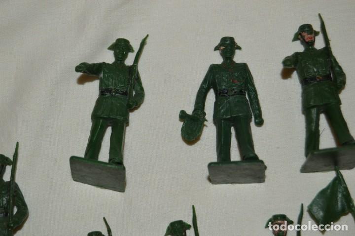 Figuras de Goma y PVC: ANTIGUO - VINTAGE - LOTE DE 9 FIGURAS DE GUARDIAS CIVILES DESFILANDO - REAMSA GOMARSA - ¡Mira! - Foto 2 - 160178166