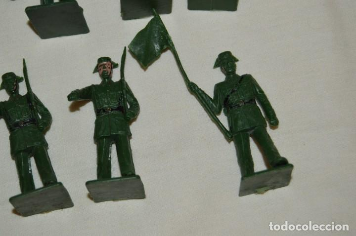 Figuras de Goma y PVC: ANTIGUO - VINTAGE - LOTE DE 9 FIGURAS DE GUARDIAS CIVILES DESFILANDO - REAMSA GOMARSA - ¡Mira! - Foto 4 - 160178166