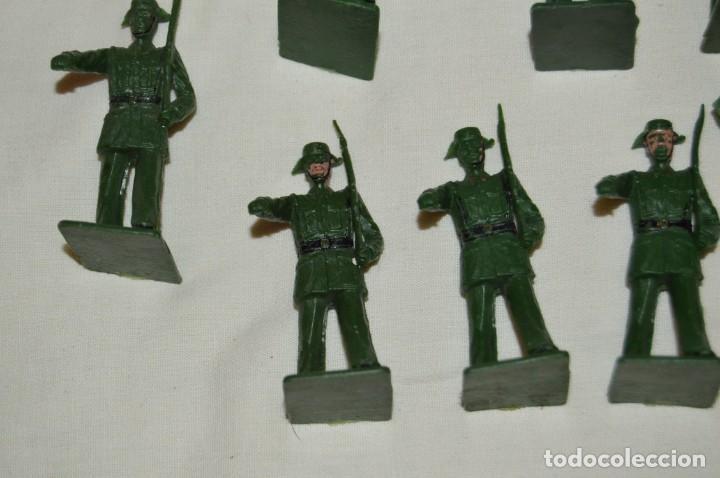 Figuras de Goma y PVC: ANTIGUO - VINTAGE - LOTE DE 9 FIGURAS DE GUARDIAS CIVILES DESFILANDO - REAMSA GOMARSA - ¡Mira! - Foto 5 - 160178166