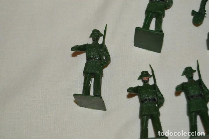 Figuras de Goma y PVC: ANTIGUO - VINTAGE - LOTE DE 9 FIGURAS DE GUARDIAS CIVILES DESFILANDO - REAMSA GOMARSA - ¡Mira! - Foto 6 - 160178166