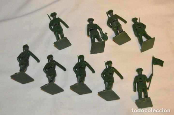 Figuras de Goma y PVC: ANTIGUO - VINTAGE - LOTE DE 9 FIGURAS DE GUARDIAS CIVILES DESFILANDO - REAMSA GOMARSA - ¡Mira! - Foto 7 - 160178166