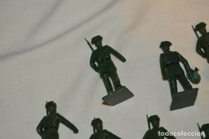 Figuras de Goma y PVC: ANTIGUO - VINTAGE - LOTE DE 9 FIGURAS DE GUARDIAS CIVILES DESFILANDO - REAMSA GOMARSA - ¡Mira! - Foto 11 - 160178166