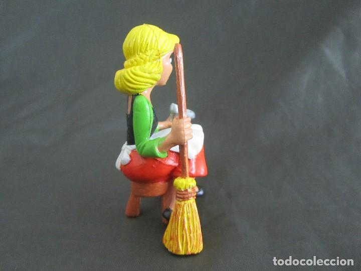 Figuras de Goma y PVC: PEDIDO MINIMO 5€ CENICIENTA COMICS SPAIN 85 WALT DISNEY PRODS EXCELENTE ESTADO - Foto 2 - 160469158