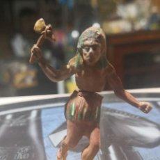 Figuras de Goma y PVC: FIGURA DE GOMA DE UN INDIO DESMONTABLE DE LA MARCA GAMA - AÑOS 50. Lote 161238118