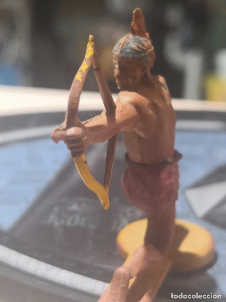 Figuras de Goma y PVC: FIGURA DE GOMA DE UN INDIO DESMONTABLE DE LA MARCA GAMA - AÑOS 50 - Foto 2 - 161238206