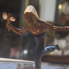Figuras de Goma y PVC: FIGURA DE GOMA DE UN INDIO DESMONTABLE DE LA MARCA GAMA - AÑOS 50. Lote 161238246