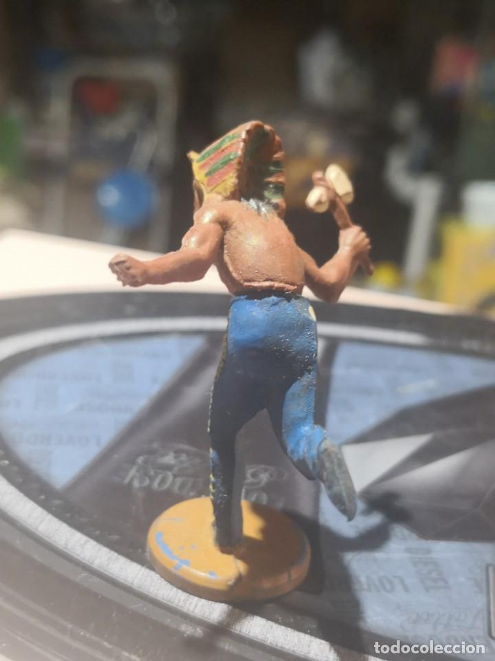 Figuras de Goma y PVC: FIGURA DE GOMA DE UN INDIO DESMONTABLE DE LA MARCA GAMA - AÑOS 50 - Foto 2 - 161238246