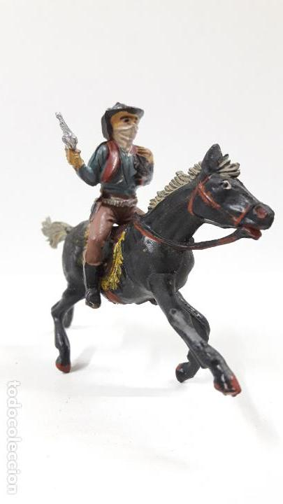 Figuras de Goma y PVC: VAQUERO BANDIDO - ATRACADOR A CABALLO . REALIZADO POR PECH . AÑOS 50 EN GOMA - Foto 2 - 161713670