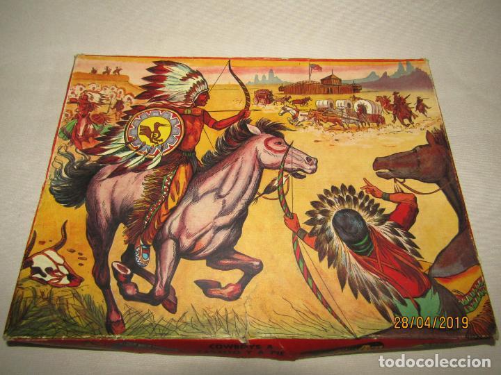 Figuras de Goma y PVC: Antigua Caja COWBOYS A CABALLO Y A PIE de COMANSI Primerísima Serie en Plástico Pintado - Foto 2 - 161721766