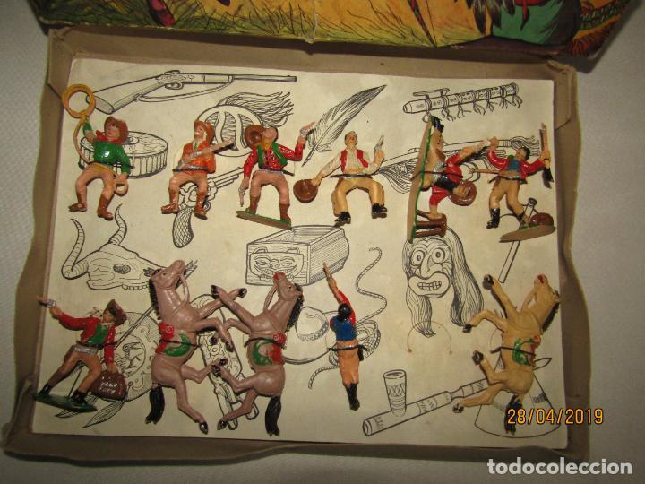 Figuras de Goma y PVC: Antigua Caja COWBOYS A CABALLO Y A PIE de COMANSI Primerísima Serie en Plástico Pintado - Foto 4 - 161721766