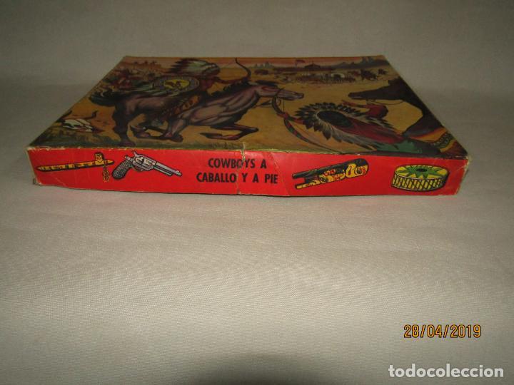 Figuras de Goma y PVC: Antigua Caja COWBOYS A CABALLO Y A PIE de COMANSI Primerísima Serie en Plástico Pintado - Foto 8 - 161721766