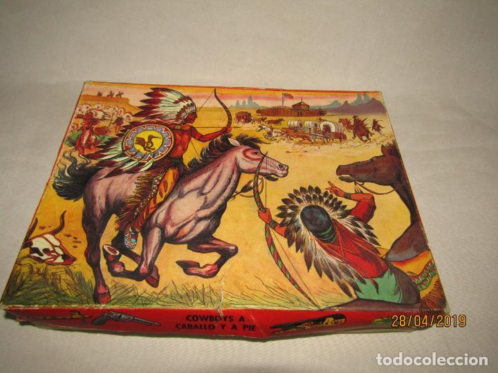 Figuras de Goma y PVC: Antigua Caja COWBOYS A CABALLO Y A PIE de COMANSI Primerísima Serie en Plástico Pintado - Foto 11 - 161721766