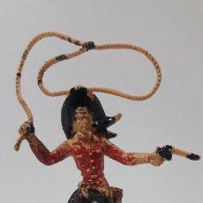 Figuras de Goma y PVC: VAQUERO CON LAZO . REALIZADO POR LAFREDO . AÑOS 60 . ALTURA CON LAZO 10,5 CM. Lote 161731690