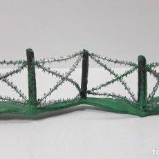 Figuras de Goma y PVC: DEFENSA - ALAMBRADA . REALIZADA POR PECH . AÑOS 60. Lote 161991482