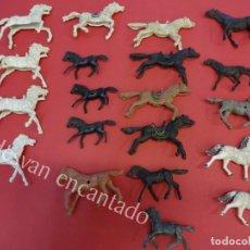 Figuras de Goma y PVC: LOTE DE CABALLOS OESTE DIVERSAS MARCAS. VER FOTOS. Lote 162033578