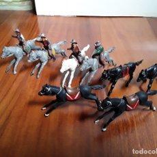 Figuras de Goma y PVC: VAQUERO CON CABALLO DEL OESTE GOMA HERMANOS PECH AÑOS 50. Lote 162398478