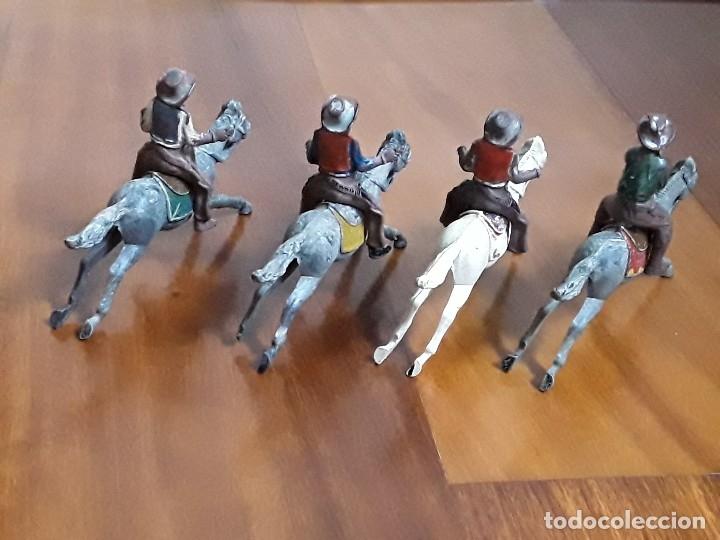 Figuras de Goma y PVC: VAQUERO CON CABALLO DEL OESTE GOMA HERMANOS PECH AÑOS 50 - Foto 5 - 162398478