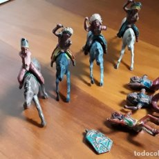 Figuras de Goma y PVC: INDIOS CON CABALLO DEL OESTE GOMA HERMANOS PECH AÑOS 50. Lote 162399538