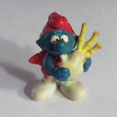 Figuras de Goma y PVC: PITUFO ESCOCES CON GAITA. GOMA. AÑOS 80.. Lote 162404474