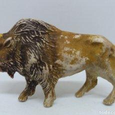 Figuras de Goma y PVC: ANTIGUA FIGURA EN GOMA DE PECH HERMANOS. BISONTE. SERIE ANIMALES. AÑOS 50/60. MADE IN SPAIN.. Lote 162487286