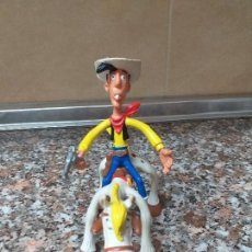 Figuras de Goma y PVC: FIGURA LUCKY LUKE Y JOLLY JUMPER COMICS SPAIN. Lote 162521246