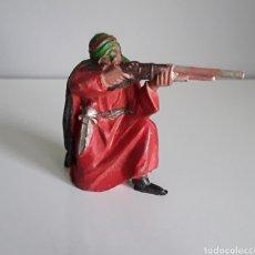 Figuras de Goma y PVC: ÁRABE BEDUINO, SERIE LAWRENCE DE ARABIA DE REAMSA, EN GOMA AÑOS 50, FIG. 140 DEL CATÁLOGO.. Lote 162640740