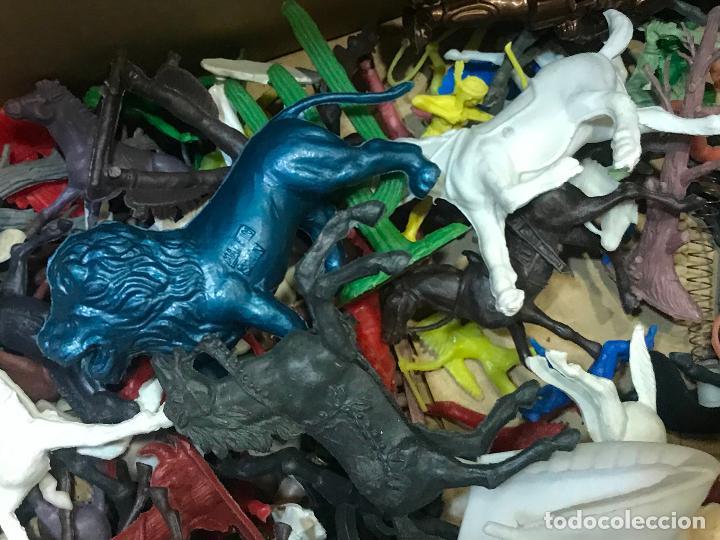 Figuras de Goma y PVC: LOTE INDIOS Y VAQUEROS COMANSI y otras marcas - Foto 5 - 162772510