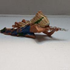 Figuras de Goma y PVC: FIGURA PECH INDIO ACOSTADO ESCASA. Lote 162799964