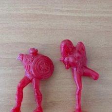 Figuras de Goma y PVC: 2 FIGURAS DUNKIN SERIE SPIDERMAN MARVEL. SPIDERWOMAN Y CAPITAN AMRICA .COLOR ROJO. Lote 162900457